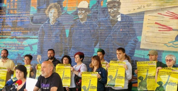 Momneto de la rueda de prensa presentando la marcha contra la precariedad, los recortes y el gasto militar