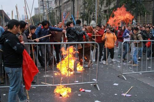 fuego-a-las-juventudes-comunistas